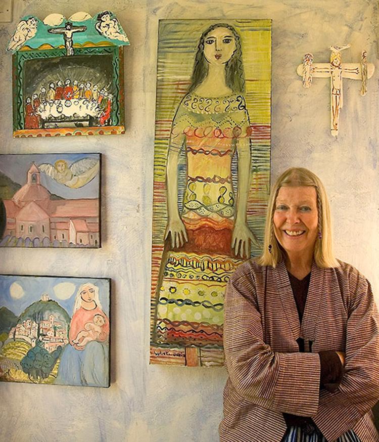 Lydia Corbett in her studio (© Carol Ballenger 2006)